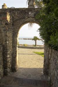 arco-museo-del-mare-pioppi